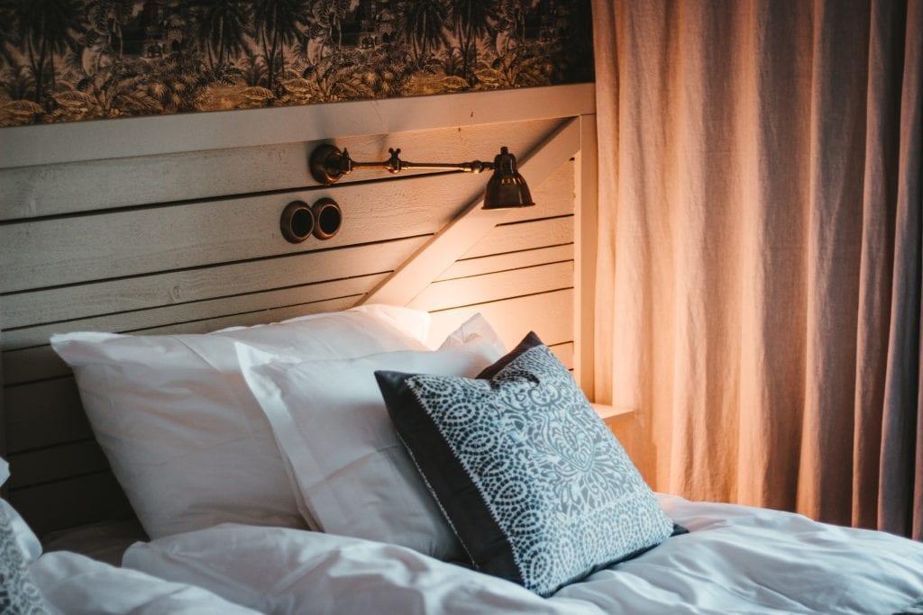 mała przytulna sypialnia