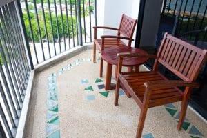 Podłoga z wylewki żywycznej - żywica na balkonie