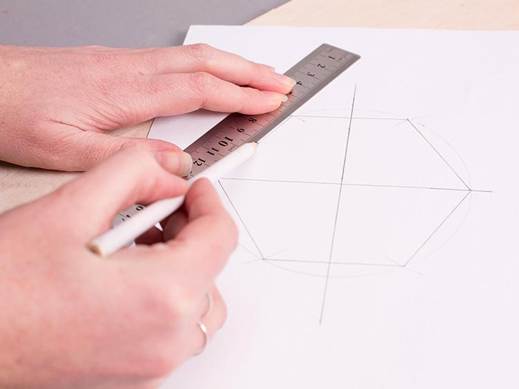 Mosiężny wazon - tutorial DIY - rysowanie podstawy