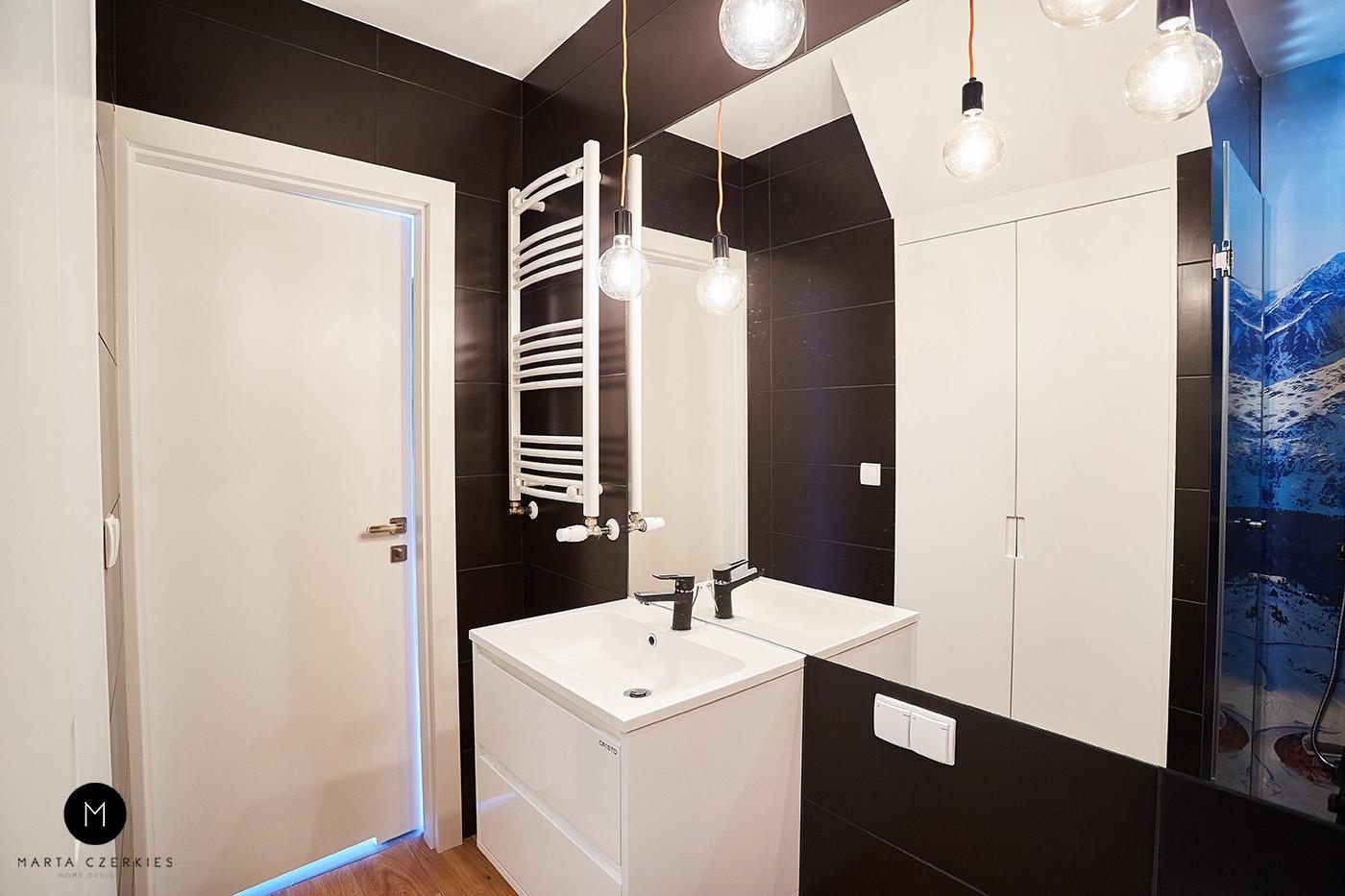 czarne kolory w łazience