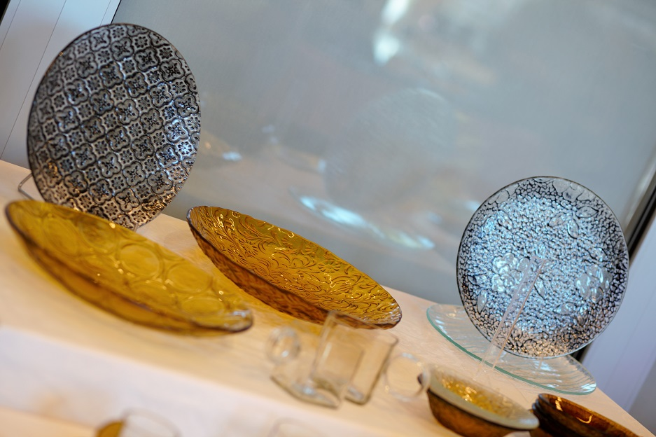 zestaw talerzy ze szkła