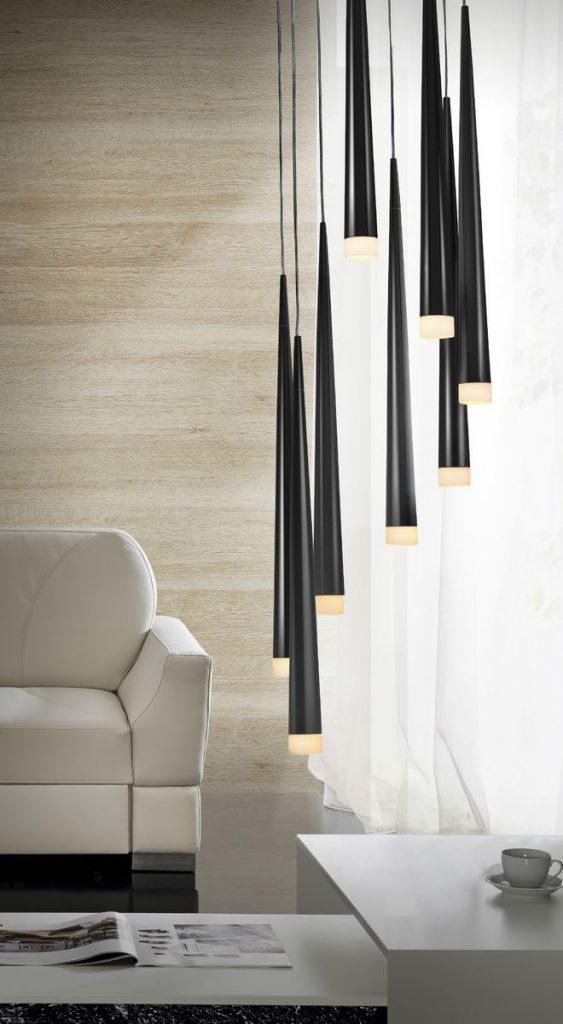 oświetlenie w salonie - lampa wisząca nad stół