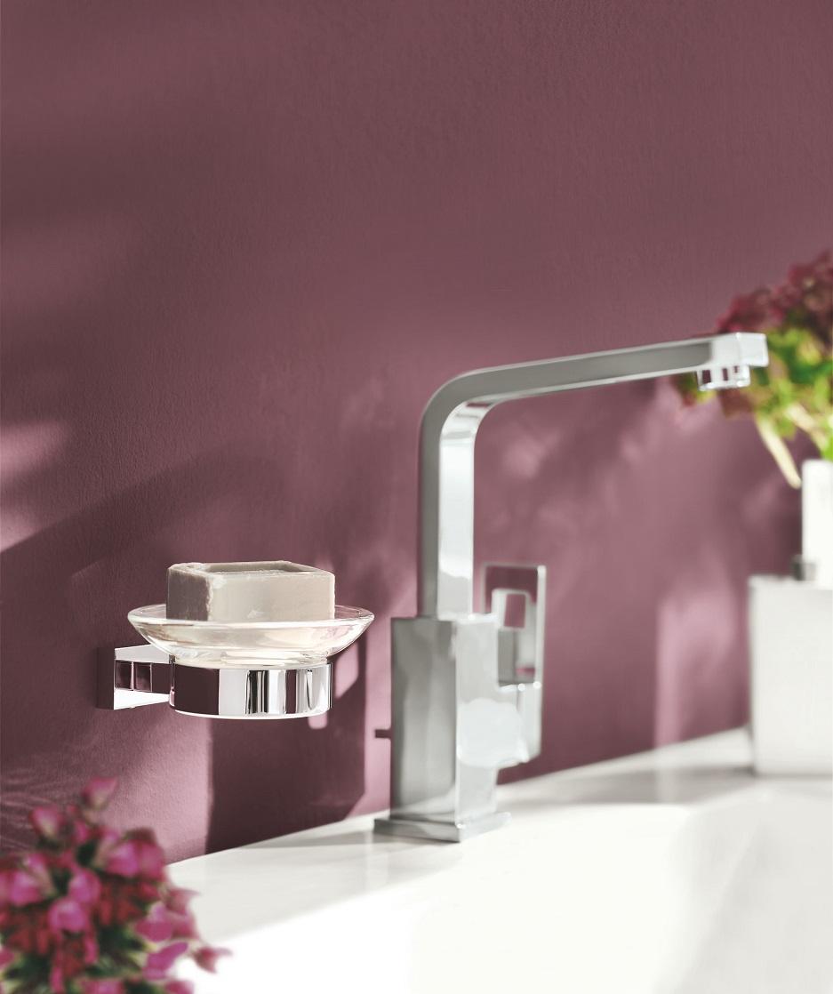 łazienka w fiolecie