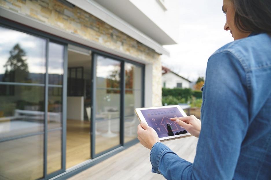 inteligentny dom sterowany przy pomocy tableta