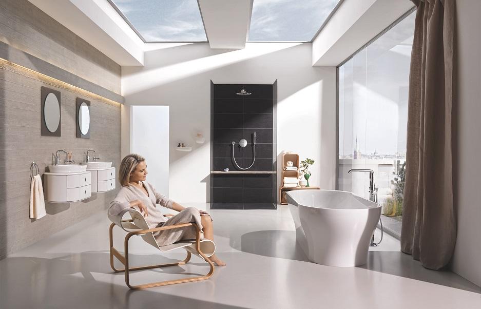 łazienka z oknami dachowymi