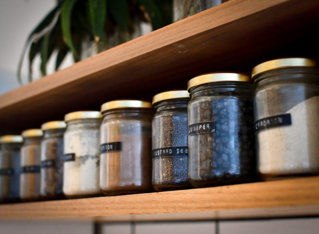 zero waste w kuchni - przechowywanie przypraw