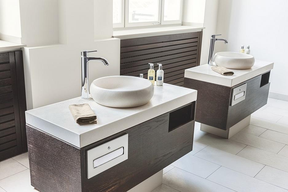 pokój kąpielowy - umywalka do zabiegów i mycia rąk