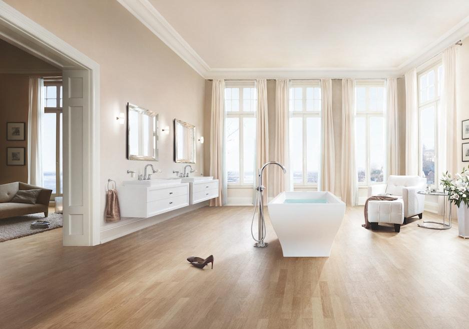 przestronny pokój kąpielowy