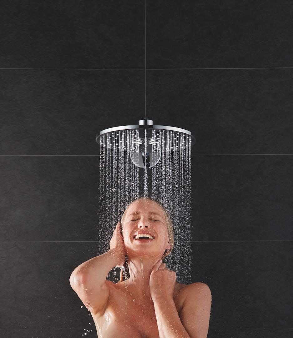 system prysznicowy z deszczownicą i słuchawką prysznicową