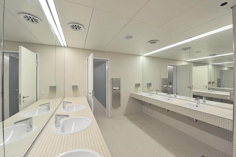Wyposażenie łazienki publicznej - odpowiedni projekt