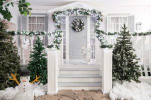 Wystrój przed domem na Boże Narodzenie