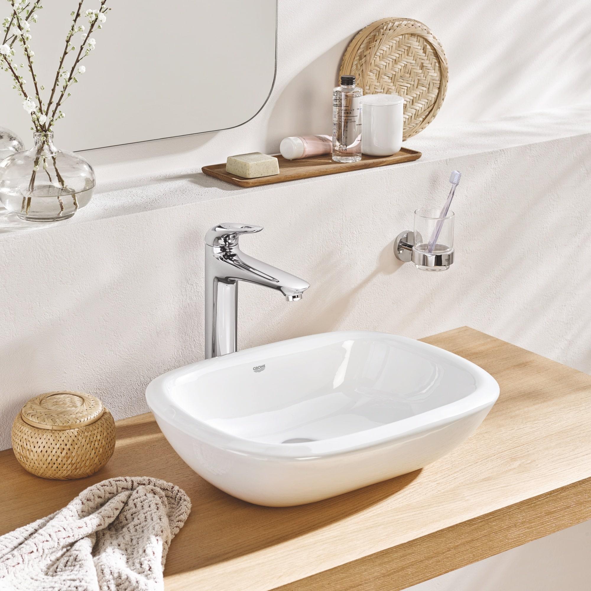 Model nadblatowy umywalki do łazienki
