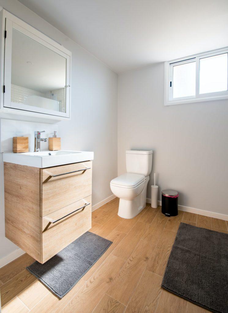 drewniane płytki podłogowe do łazienki