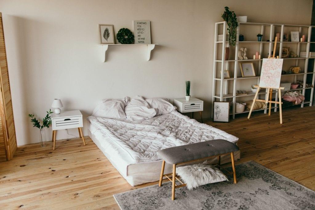 drewno do sypialni