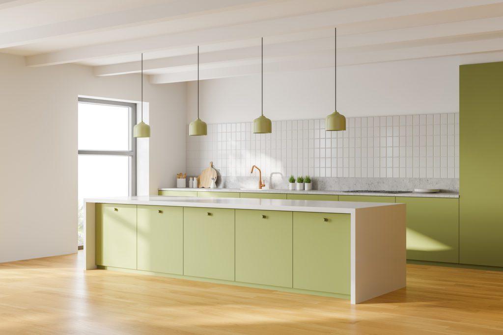wiszące lampy w kuchni